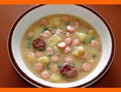 Šošovicová polievka Najlepšiu šošovicoú polievku robievala moja prvá svokra z Liptova. To je druhá najlepšia KOMODITA od nej. Teraz si ju môžete spraviť aj Vy. Ingrediencie - 250g šošovice - 2 5 - 3 litre vývaru z údeného kolena - 100ml kyslej smotany + 100ml vody + 2 PL hladkej múky - klobása podľa chuti … Cooking Recipes, Healthy Recipes, Food 52, Soups And Stews, Cheeseburger Chowder, Ham, Healthy Lifestyle, Food And Drink, Menu