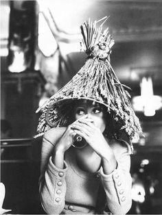 "Christy Turlington in ""Vive Paris"" by Steven Meisel for Vogue Italia February 1992 Christy Turlington, Timeless Fashion, Vintage Fashion, British Fashion, Funny Hats, Steven Meisel, Famous Photographers, Cool Hats, Vogue Magazine"