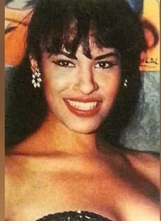 Selena Quintanilla Perez, Close Up, Queen