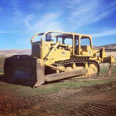 CATERPILLAR. D9H, Dozer. Cat Bulldozer, Caterpillar Bulldozer, Caterpillar Equipment, Heavy Construction Equipment, Heavy Equipment, Mining Equipment, Old Tractors, John Deere Tractors, Cat Engines