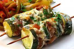 Kebab sa mljevenim meso i tikvicama,fino socno. Healthy Cooking, Healthy Eating, Cooking Recipes, Healthy Recipes, Vegetable Dishes, Vegetable Recipes, Good Food, Yummy Food, Carne Picada