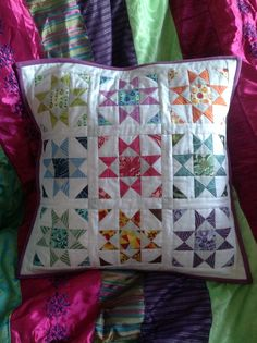 Star quilted cushion pillow