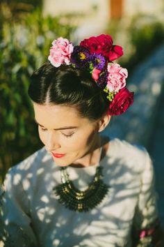 Frida Kahlo Wedding Ideas by Amber Vickery Photography - via ruffled #fridakahlo