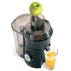 5 Best Inexpensive Juicers on Amazon black & decker, breville bje200xl compact juice fountain, breville rm, hamilton beach big mouth, cheap juicer, darren and veronica, waring juice extractor