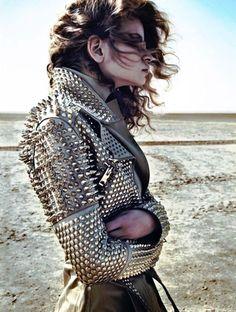 \m/ Amazing biker style studded jacket! Fashion Week, Love Fashion, High Fashion, Womens Fashion, Fashion Design, Fashion Ideas, Rock Style, Style Me, Diesel Punk