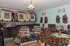 Traditional House, Vintage Kitchen, Romania, Coffee Shop, Arch, Bohemian, Quilts, Country, Inspiration