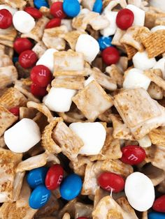 Guys, I make this crack cocaine treat at least once a month! The funny thing is, is that every time I make it I hardly get any because people circle like vultures until it is gone! No seriously! I … 4th Of July Desserts, Fourth Of July Food, July 4th, Patriotic Desserts, Holiday Snacks, Holiday Recipes, Summer Recipes, Holiday Parties, Golden Graham Treats
