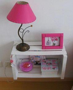 Turqoise instead pink. My Room, Girl Room, Diy Room Decor, Bedroom Decor, Wooden Crates, Deco Design, Pallet Furniture, Decoration, Diy And Crafts