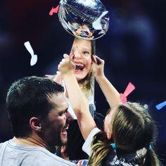 Gisele Bündchen celebrates 'my love' Tom Brady's Super Bowl win Tom Brady Kids, Tom Brady Goat, Super Bowl Wins, Julian Edelman, Patriots Football, Boston Sports, Celebrity Travel, Family Affair, Patriots