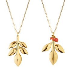Add a touch of glamour to the Christmas tree this season with this Magnolia leaf tree decoration set from Georg Jensen. This set of two contain two leaf inspired pendants hanging from a complementing