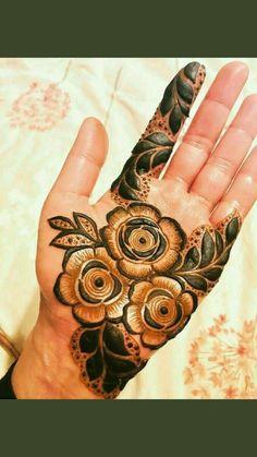 Dubai Mehendi Designs, Round Mehndi Design, Rose Mehndi Designs, Legs Mehndi Design, Latest Bridal Mehndi Designs, Henna Art Designs, Mehndi Design Pictures, Modern Mehndi Designs, Wedding Mehndi Designs
