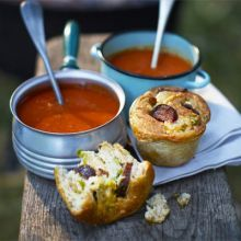 Cheesy sausage rolls, these would be great for bonfire night Bbc Good Food Recipes, Soup Recipes, Cooking Recipes, Savoury Recipes, Crockpot Recipes, Dinner Recipes, Bonfire Night Food, Vegetarian Soup, Gastronomia