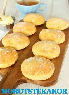 Ca 20 st ca 100 g morötter, rivna 50 g jäst 6 dl mjölk, fingervarm 2 dl havregryn 75 g smör, rumsvarmt 2 tsk salt 1 ägg 12–14 dl vetemjöl