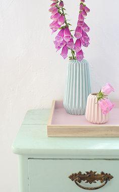 foxglove and the vases: so pretty