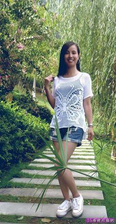 crochelinhasagulhas: Blusa com borboleta em crochê