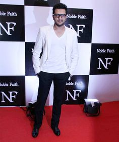 Riteish Deshmukh looked stylishly nerdy in a white dinner jacket and glasses at Ritesh Sidhwani's bash. #Bollywood #Fashion #Style #Handsome