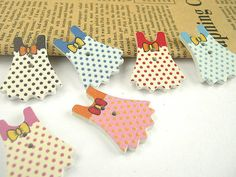 6 pcs 23 x 30mm Painted Color Wooden Buttons Wood by duckytown, $1.40