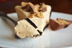 Peanut Butter + Greek Yogurt pie      Rich and creamy peanut butter pie in an Oreo crust.  Made with just Greek yogurt and peanut butter, the tart peanut butter filling is loaded with healthy fats and protein.  No-bake and simple prep make it a must-try!    Serves 10    Prep time: 10 minutes    Cook time: N/A    32 ounces vanilla Greek yogurt (I'
