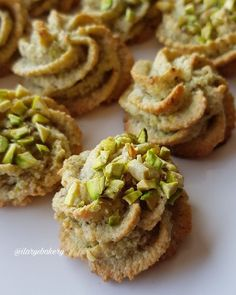 BISCOTTI AL PISTACCHIO Hi, today I propose you these super easy biscuits, very fast and made with only 4 ingredineti😜 They are ✔ gluten free ✔ lactose free ✔ without butter and ✔ without flour but I a Pistachio Cookies, Biscotti Cookies, Biscotti Recipe, Almond Cookies, Pistachio Biscotti, Italian Cookie Recipes, Italian Cookies, Italian Desserts, Sweets Recipes