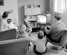 pictures of old black and white family  outings  photos | ... you grew up watching black and white TV, study reveals | Mail Online
