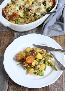 Kartoffel - Gemüse - Allerlei mit Fleischbällchen  überbacken