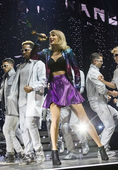 Get a glimpse inside Taylor Swift's 1989 tour with the must-see pictures and videos from the show!