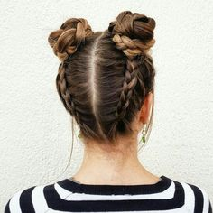 Simple and beautiful hairstyles for school every day - kurze frisuren - Hair Styles Cool Haircuts, Layered Haircuts, Hair Day, Hair Looks, Hair Inspiration, Curly Hair Styles, Cute Hair Styles Easy, Hair Styles With Buns, Cute Summer Hair Styles