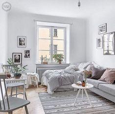 Gorgeous Minimalist Studio Apartment Decoration Ideas - Home Page Tiny Studio Apartments, Studio Apartment Design, Studio Apartment Decorating, Studio Apt, Studio Design, Modern Apartments, Cute Apartment, Small Apartment Living, Apartment Interior