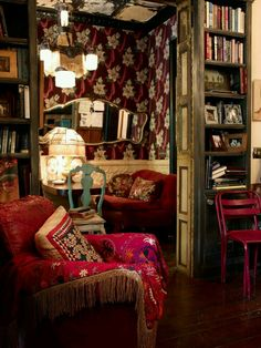 Might not want my whole house like this but a home library would be super! Dark, boho, conducive to flights of bookish fancy.