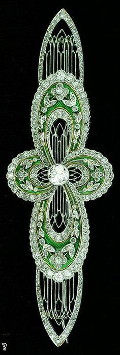 Art Deco diamond brooch. Old European cut diamonds, rose-cut diamond, Platinum and Gold, enamel. Europe around 1920.