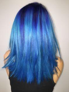 ROOTED  BLUE  BEAUTY Hair: @cxrrina • Model: @_stephaniecakes_  #pravana…