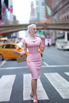 this combination feels dainty but opulent, and this is how I would describe my new Sierra Dress from Tatyana Boutique. Estilo Pin Up, Estilo Retro, Trajes Pin Up, 1950s Fashion, Vintage Fashion, Pink Pencil Dress, Vintage Dresses, Vintage Outfits, Vestidos Sexy