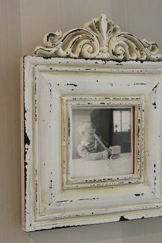 Distressed Picture Frames, Painted Picture Frames, Antique Picture Frames, Repurposed Furniture, Painted Furniture, Picture Frame Crafts, Home And Deco, Vintage Shabby Chic, Diy Frame
