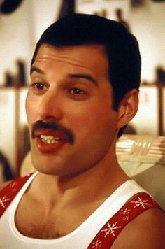 Freddie Mercury Tattoo, Freddie Mercury Quotes, Queen Freddie Mercury, John Deacon, Mr Fahrenheit, Star Wars Crochet, Roger Taylor, Rock And Roll Bands, Elvis Presley Photos