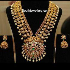 Kundan long chain latest jewelry designs - Page 8 of 14 - Indian Jewellery Designs Indian Jewellery Design, Indian Jewelry, Jewelry Design, Antique Jewellery, Wedding Jewelry, Gold Jewelry, Jewelery, Temple Jewellery, Marriage Jewellery