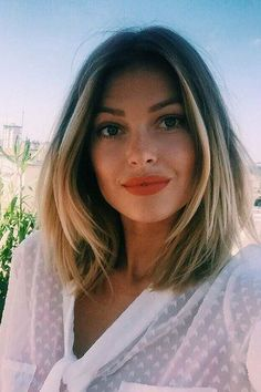 Very popular short hairstyles for women with round face - Frisuren Tipp Long Bob Haircuts, Long Bob Hairstyles, Hairstyles For Round Faces, 2015 Hairstyles, Pixie Haircuts, Bob Wedding Hairstyles, Medium Haircuts, Round Face Haircuts, Layered Haircuts