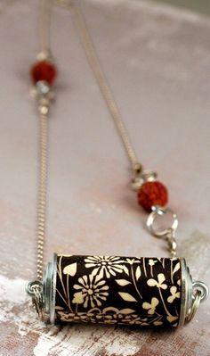 b&w necklace