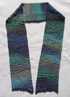 Slip stitch scarf, free pattern on Ravelry