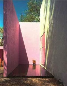the houses of luis barragan - Google Search