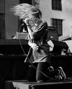Alicia Bognanno of Bully rocking the sidestripe. Photo: Mary-Beth Blankenship