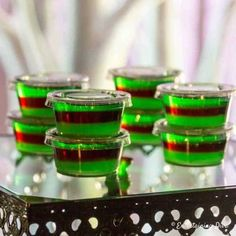 This purple and green layered jello shot recipe is awesome! Made with vodka and raspberry liqueur (like Chambord), they taste like a Purple Hooter cocktail. The colors are great for a Halloween party! Malibu Jello Shots, Margarita Jello Shots, Best Jello Shots, Champagne Jello Shots, Fun Shots, Lemon Drop Jello Shots Recipe, Jello Shot Recipes, Party Recipes, Alcohol Recipes