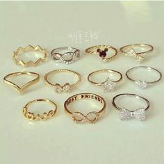 Silver Jewelry Box, Cute Jewelry, Jewelry Sets, Jewelry Accessories, Fashion Rings, Fashion Jewelry, Gold Bangles Design, Accesorios Casual, Cute Rings