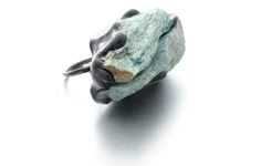 Izabella Petrut Ring: Never too late, 2015 Silver oxidized, fluorite, pigment, resin Photo by: Izabella Petrut From series: Here and Now Contemporary Jewellery, Jewelry Art, Polymer Clay, Resin, Rings For Men, Oxidized Silver, Jewels, Stone, Cement