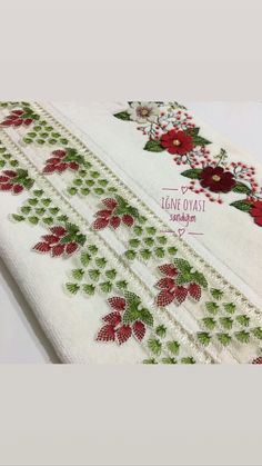 Die stilvollsten Needle Lace- und Lace Dowry Towel Edge-Modelle – New Ideas Knitted Poncho, Knitted Shawls, Embroidery Jewelry, Hand Embroidery, Sindhi Dress, Lazy Daisy Stitch, Crochet Curtains, Knit Shoes, Needle Lace