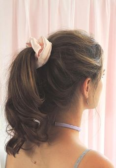 Pale pink silk scrunchie perfect for a luxe retro hair tie aesthetic handmade in small batches. Vintage Hairstyles, Easy Hairstyles, Wedding Hairstyles, Updo Hairstyle, Rockabilly Hair Tutorials, High Bun Hair, Hair Buns, Ponytail Scrunchie, Hair Scrunchies