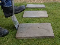 How to lay stepping stones creating a simple path using paving laying stepping stones 1 workwithnaturefo
