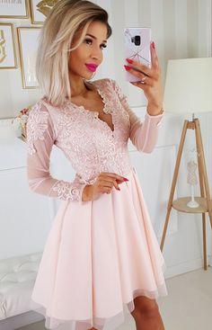 0828d575504ea Koronkowa sukienka z tiulowymi rękawami brzoskwiniowa - Sklep