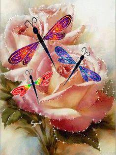 Цветы со стрикозками