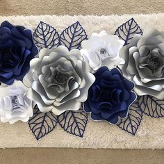 Here is the full look on the paper flowers I made for my client @o_paul_hy_a_gina love the color combo she picked and I used template 14 and king rose center for this look  #paperflower #paperflowers #handmade #diy #art #love #decor