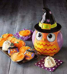 Cheryl's 2015 Collector's Edition Owl Witch Cookie Jar